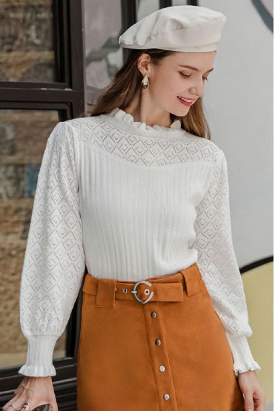 Ebelina Basic Pullover in White