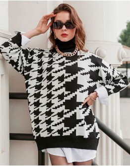 Venus Houndstooth Turtleneck Sweater
