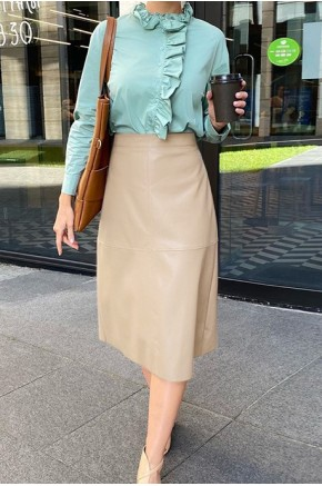 Evie Midi Skirt in Cream
